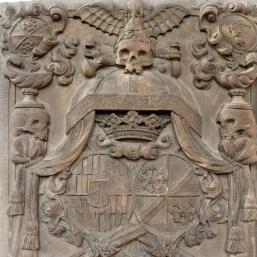 Marienkapelle Würzburg gravminne m dødninghoder