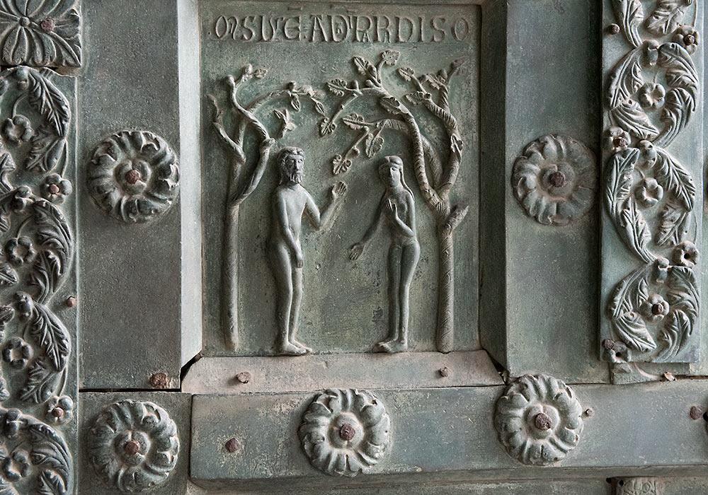 Bronsedør ca 1180 Monreale-katedralen: Adam og Eva