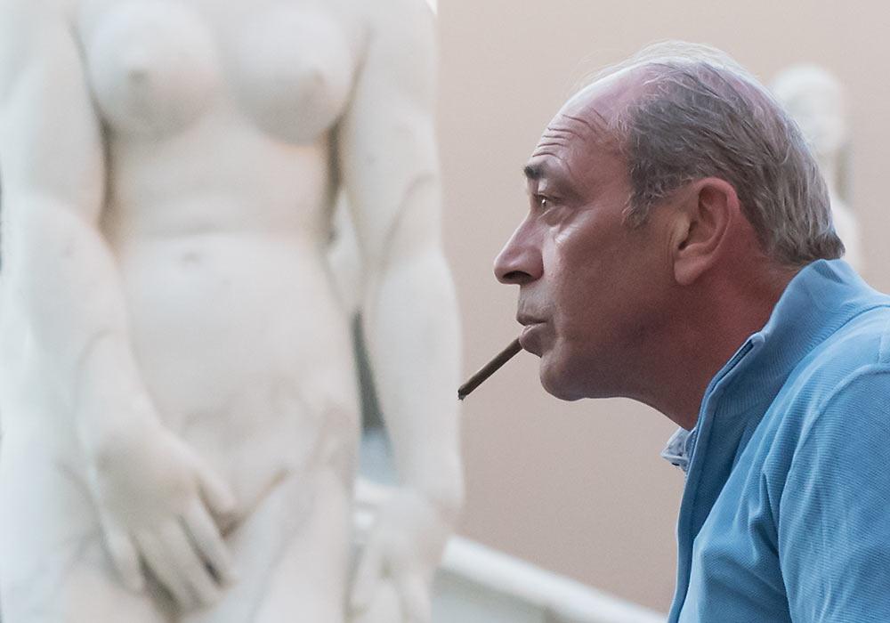 mann med sigarett