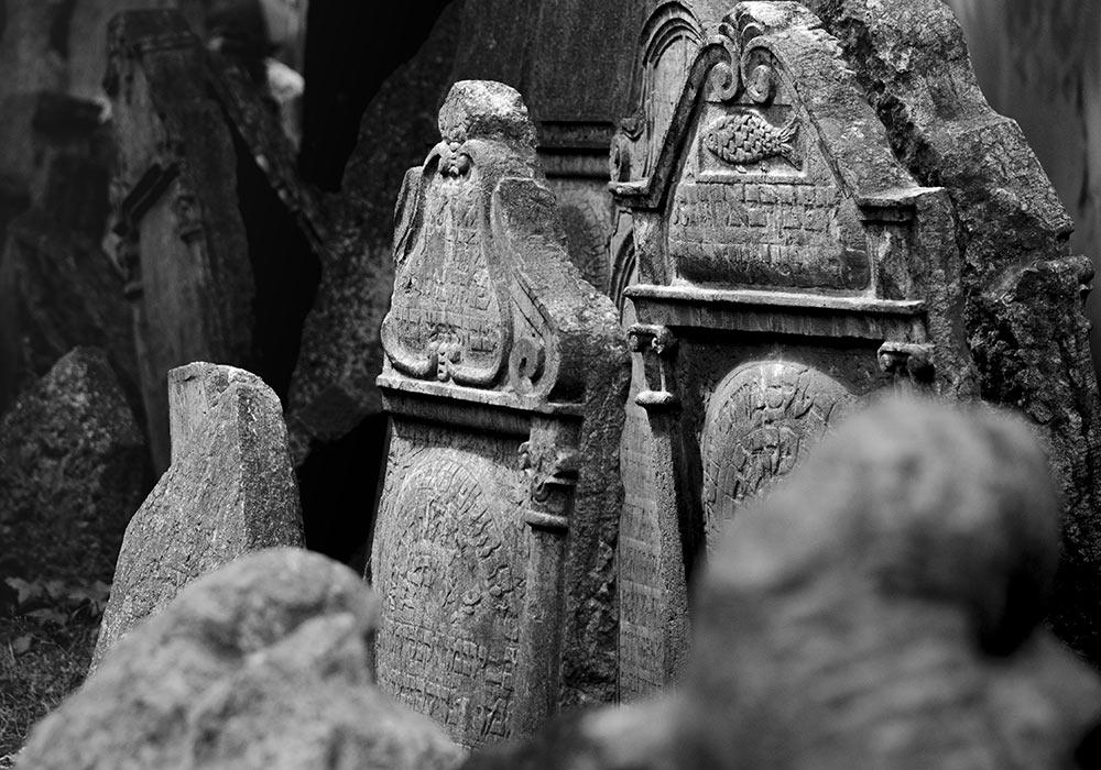 gravminne, den jødiske kirkegården i Praha