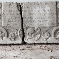 kalkstensplate, Skedsmo kirke