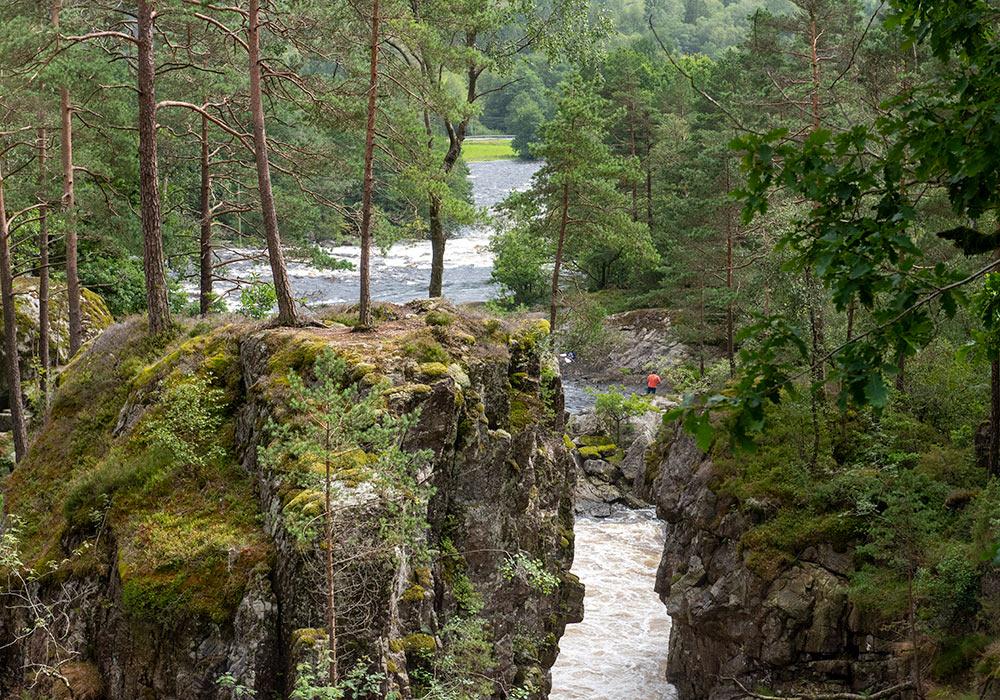 Kvåsfossen mellom Lyngdal og Snartemo