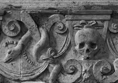 Detalj av gravminne i Lübeck domkirke. Ukjent år.