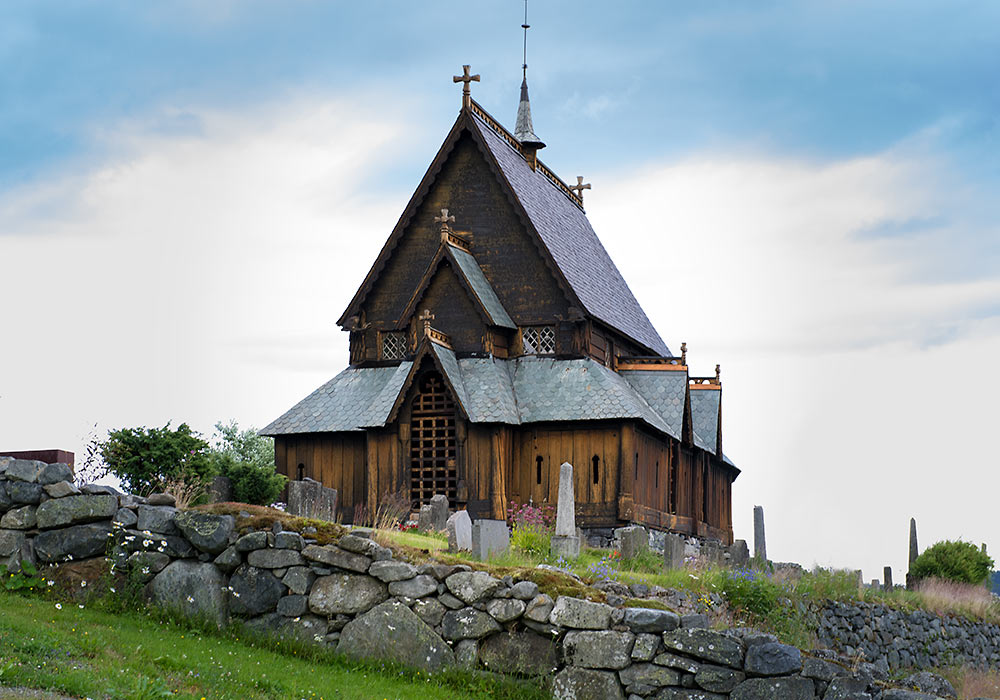 Reinli stavkirke i Sør-Aurdal, stave church